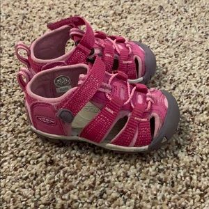 Keen toddler girl shoes
